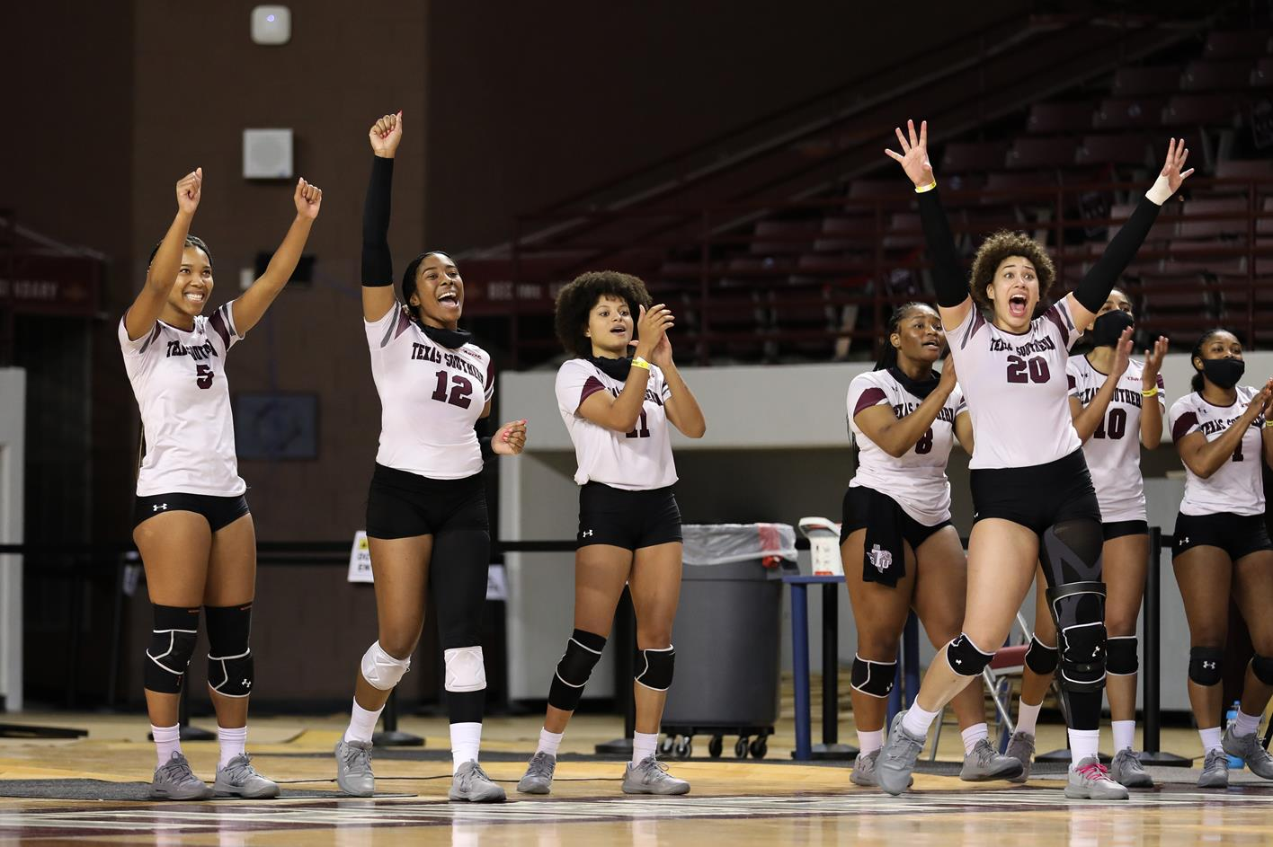Volleyball Falls In 5-Set Heartbreaker At Southern
